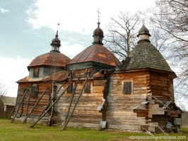 Nowe Brusno. Dawna cerkiew greckokatolicka p.w. Św. Paraskewy z 1713r. Jest nieużytkowana, podobno w trakcie odbudowy. Stan świątyni jest bardzo zły, konstrukcja podparta drągami, dziurawy dach i ściany, wnętrze puste…