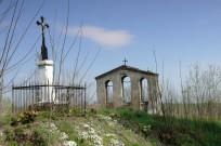 ... i pozostałości podawnej cerkwi