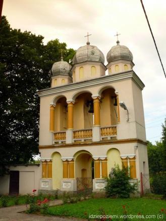 Jurowce -murowana dzwonnica