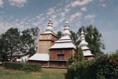 Krempna, 2006r. na zdjęciu widać jeszcze pochylony dach nad prezbiterium cerkwi...