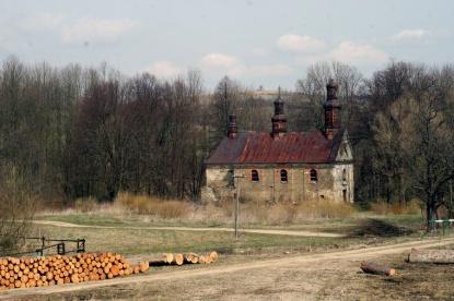 Królik Wołoski, opuszczona cerkiew, fot. 2015r.