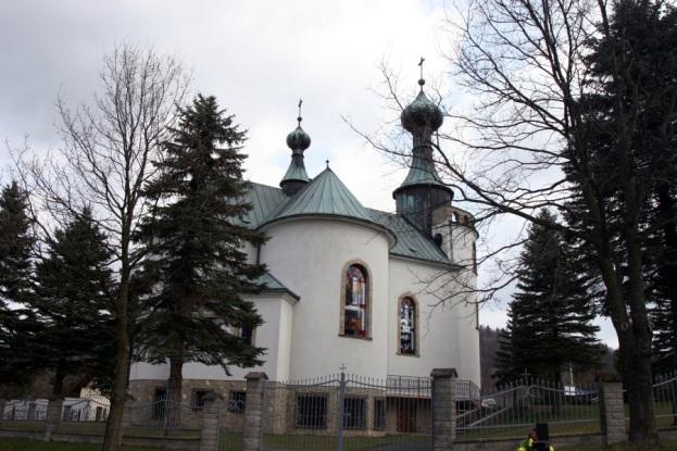 Nowy kościół w Klimkówce nawiązujący do wyburzonej cerkwi, fot. 2015r.