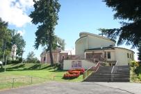 nowy kościół i stara cerkiew.